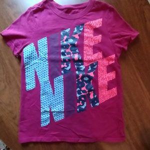 Girls Nike tee shirt